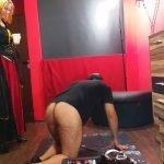 Domina Victoria – Sklave Bearbeitet Und Anscheissen