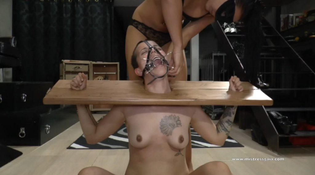 Mistress Gaia shitting in mouth slavegirl in bondage - 2
