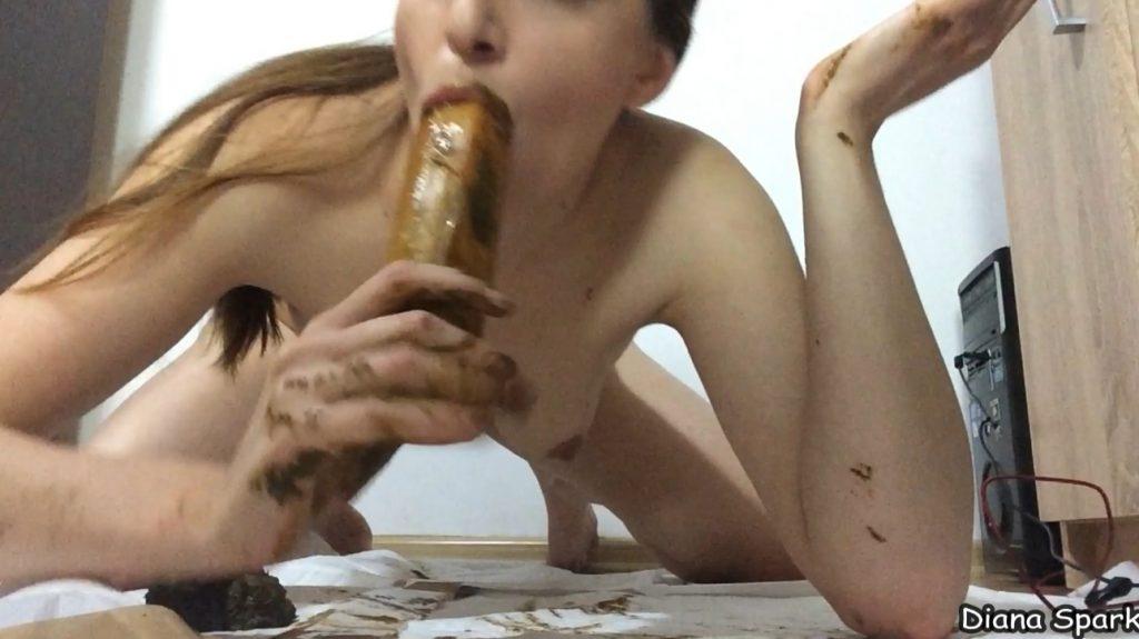 Diana Spark webcam scat play show - 1080p (FHD) - 2