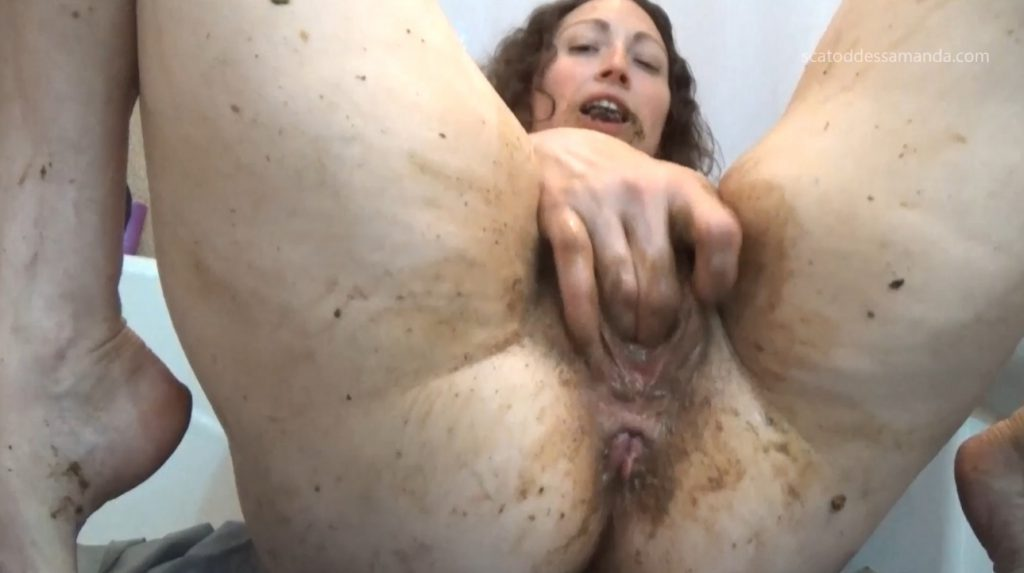 Masturbation Of The Clit To Shit - 3