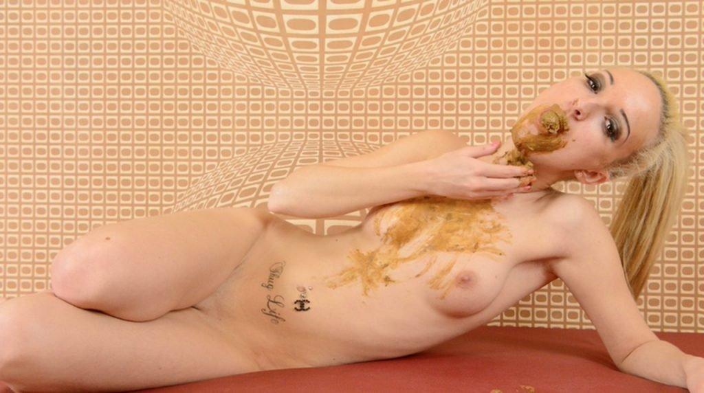 Scat Erotic Play - Enormous Big Scat By Melania (HD-720p) - 6