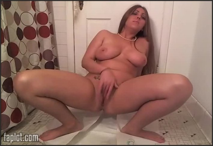 SWEET STEPHI - 21 videos (Scat & Toilet Related Pack) - Screen 1
