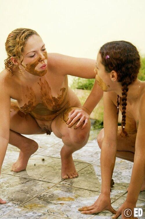 Lesbian Scat PHOTO Collection 1