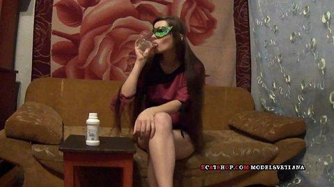 Svetlana - Diarrhea all day (Full HD) Picture 1