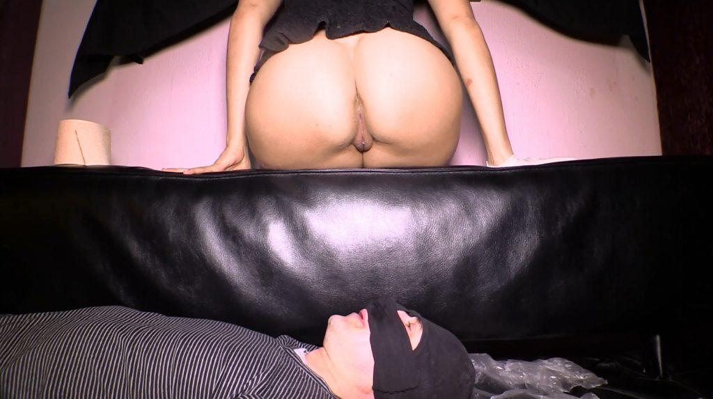Mistress Diana 002 - Shits On Slave Face (Full HD 1080p)