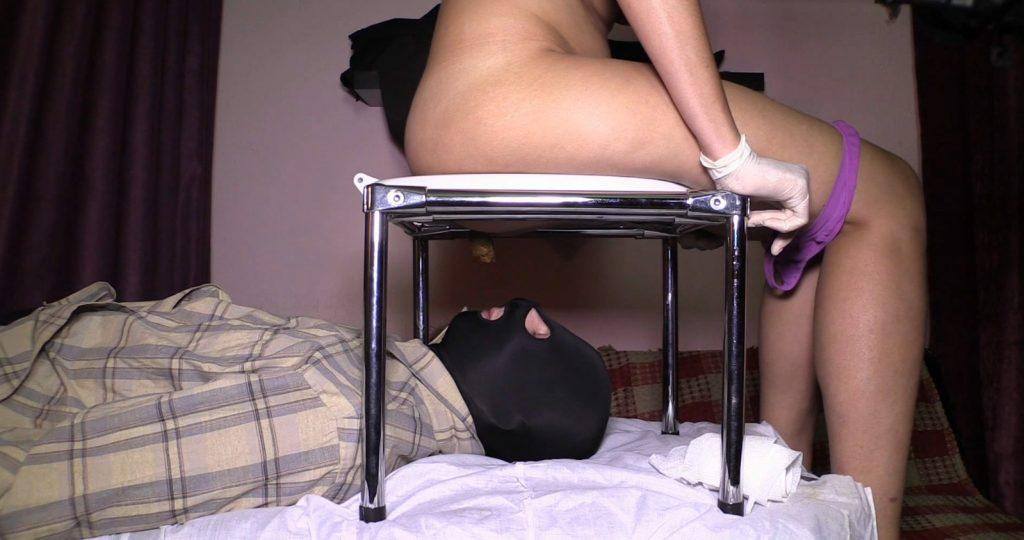 Mistress Diana Toilet Play – Full HD