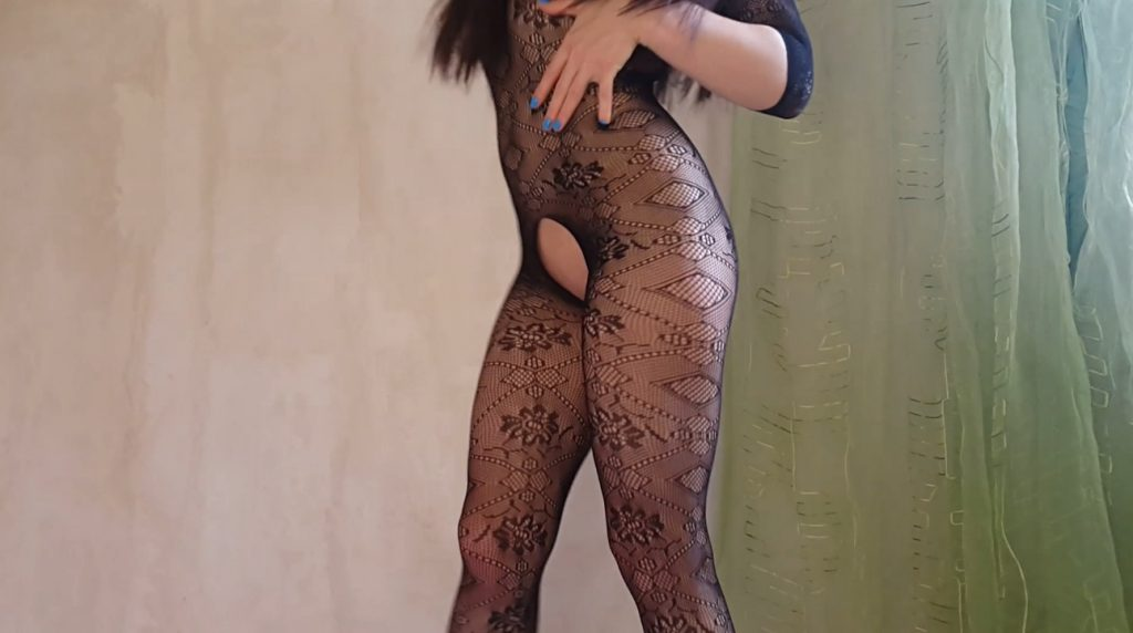 Anna Coprofield – Shitty fishnet pantyhose - 1