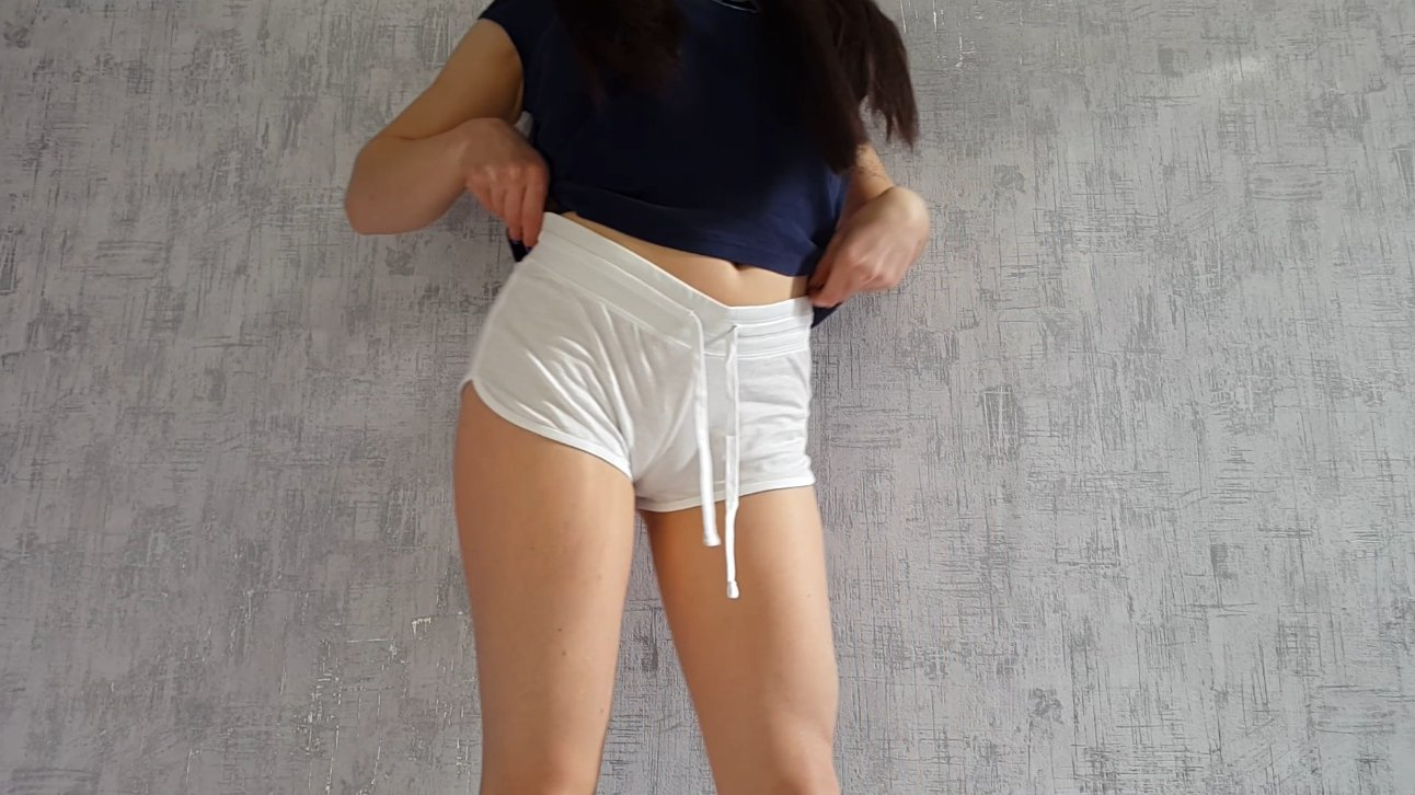 Anna Coprofield – White shorts and smearing