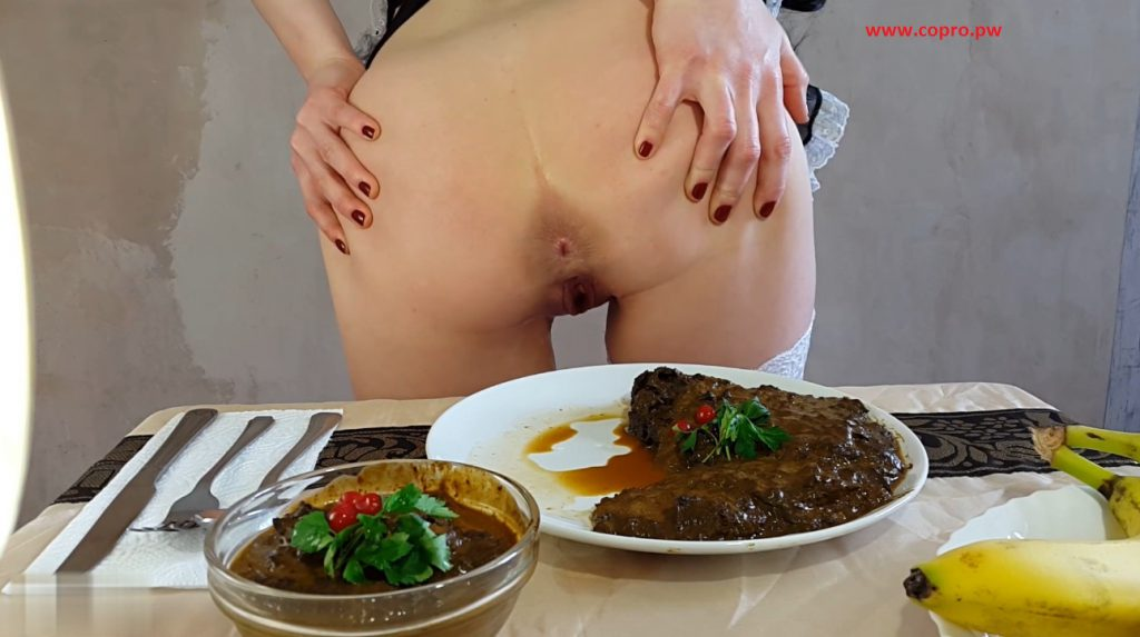 Anna Coprofield - made dinner out of shit and eat fresh shit - 2