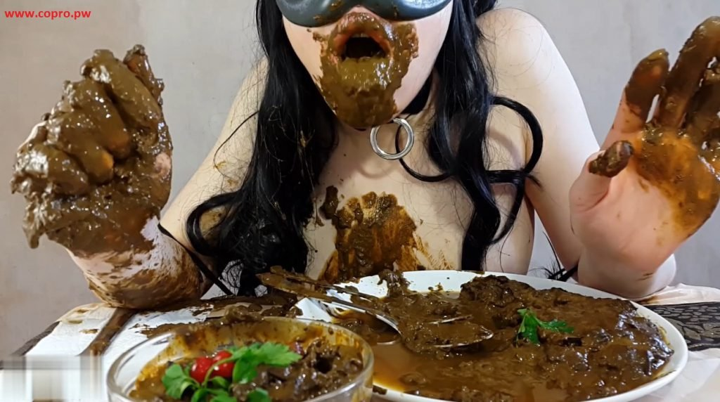 Anna Coprofield - made dinner out of shit and eat fresh shit - 4