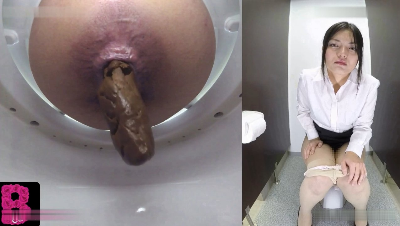 Sexy babes poop