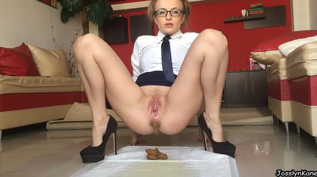 Dirty Secretary-smearing All Over-4 - 2