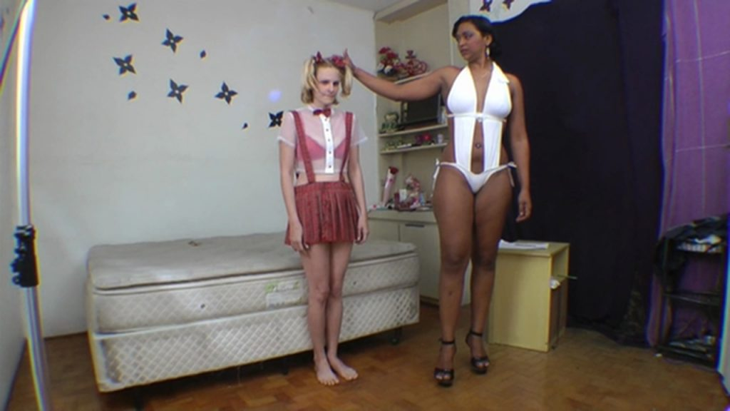 Scat Giant - SG Video (Bruninha and Rarissa)