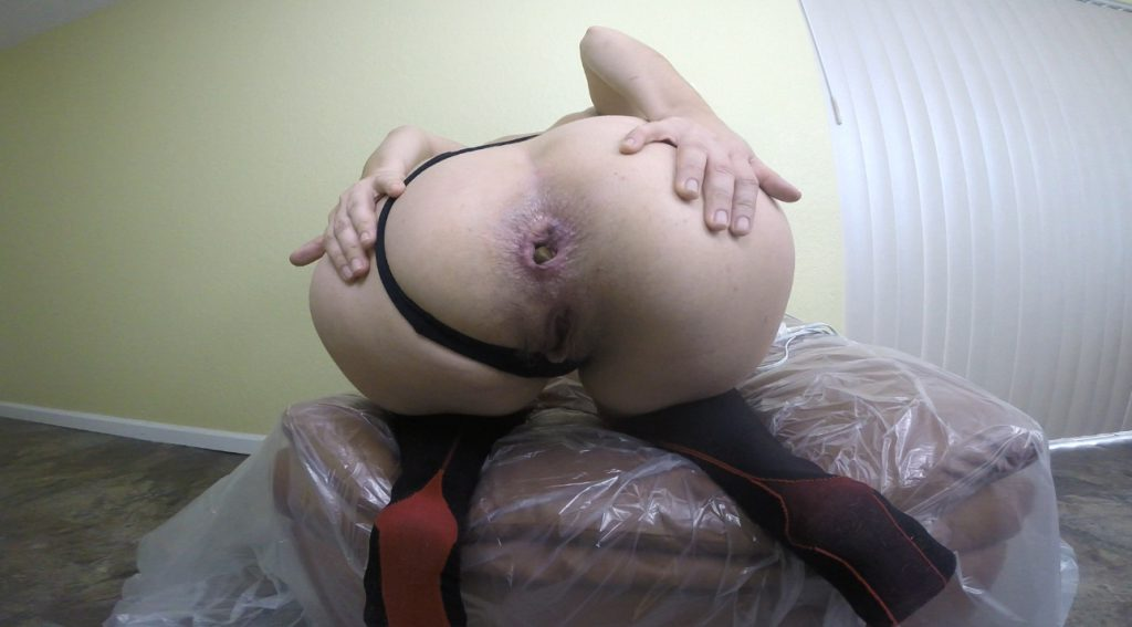 Girl shitting a huge turd, suck feces and dirty masturbate pussy - 3