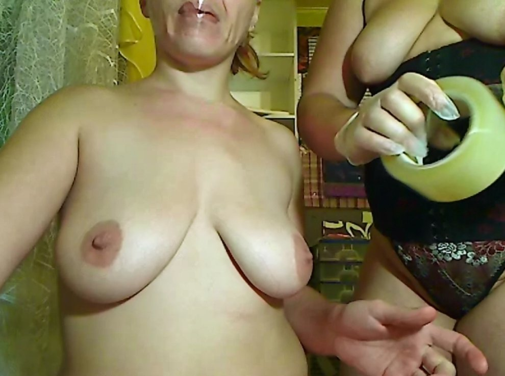 Pissing and shitting dirty fisting feces in pussy - 3