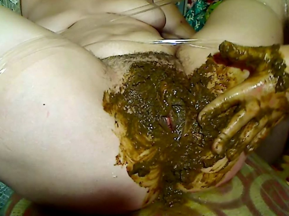 Pissing and shitting dirty fisting feces in pussy - 9