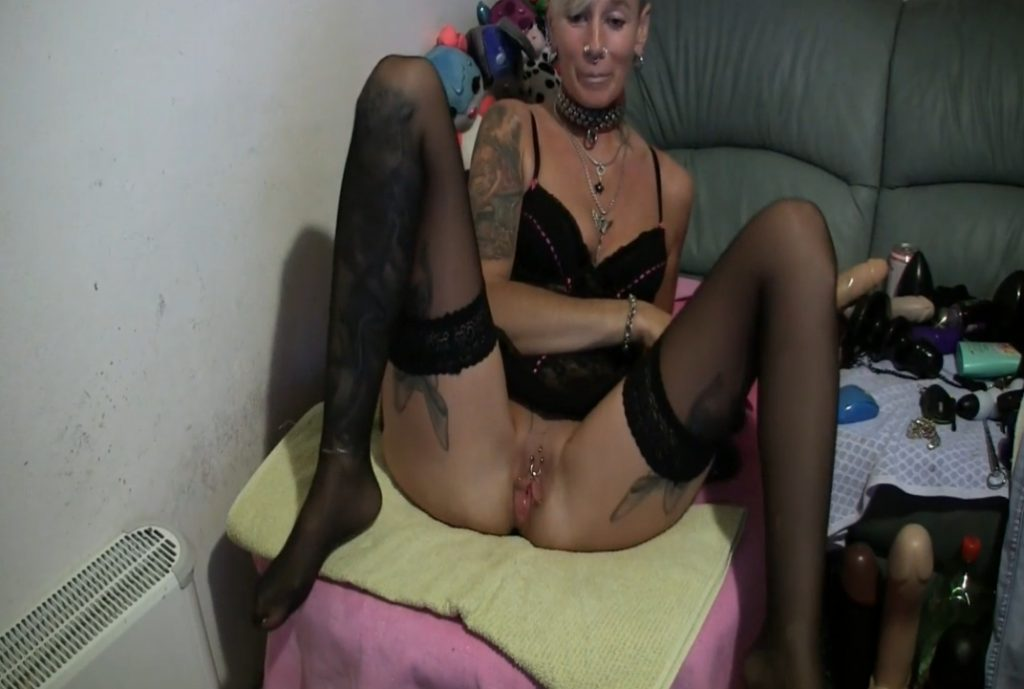 Double plugged insertions from Lady-isabell666 (Double Fisting in FHD)