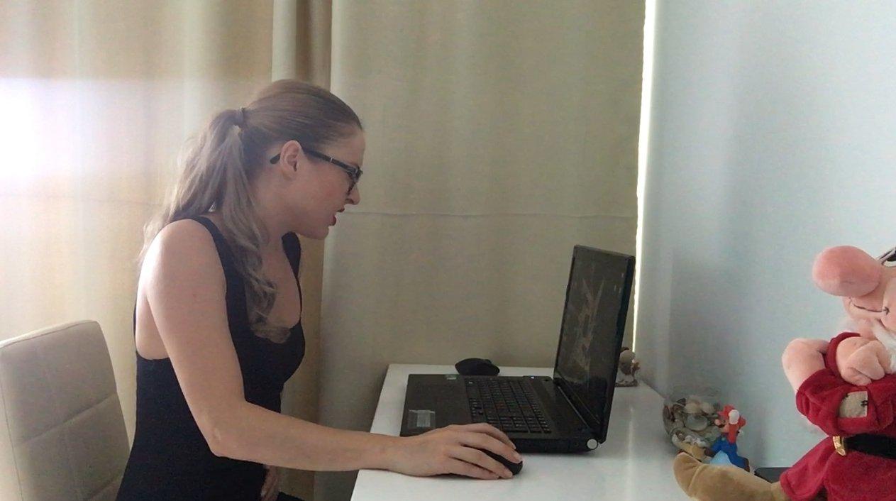 Ella Gilbert - Dirty at the office (HD-720p)