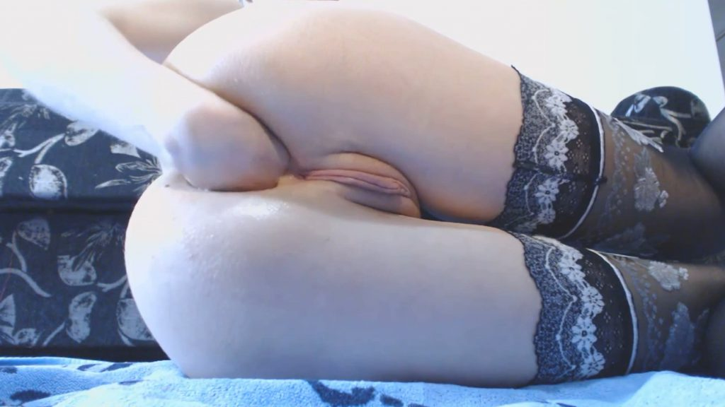 Ella Gilbert - Hardcore (Hand Fisting and Prolapse and Anal Dilation) - 2
