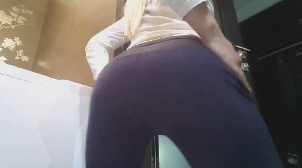 pooping girl porno
