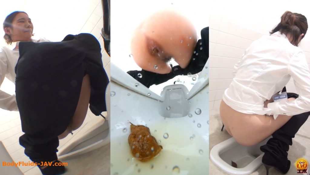 Japanese girls in toilet room make are a lot of poop and pee - 4
