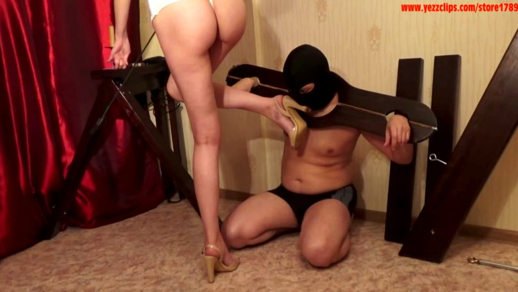 Mistress Annalise - More Beautiful Shit - Full HD 1080 (human toilet, scatting domination) - 2