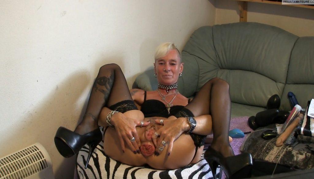 lady-isabell666 - Prolapse (Asshole Posing)