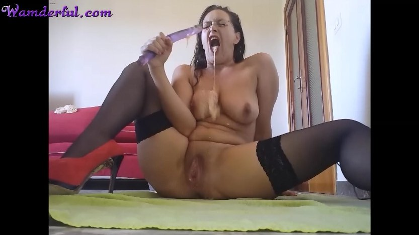 Wamderful - Claudia Shitter Video 25 - Screen 1
