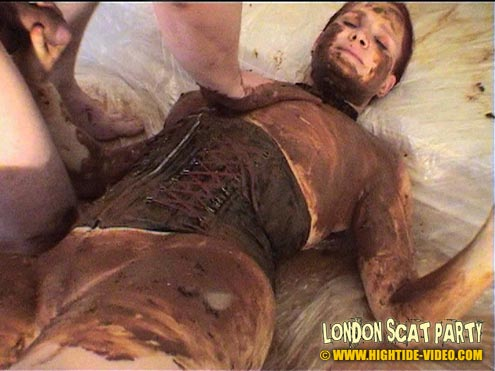 Extreme Scat and Piss Group Party in London - Picture 4