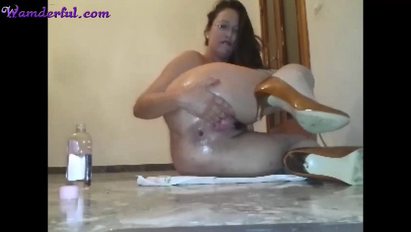 Wamderful - Claudia Shitter Video 28 (extreme fisting, smearing and vomit)
