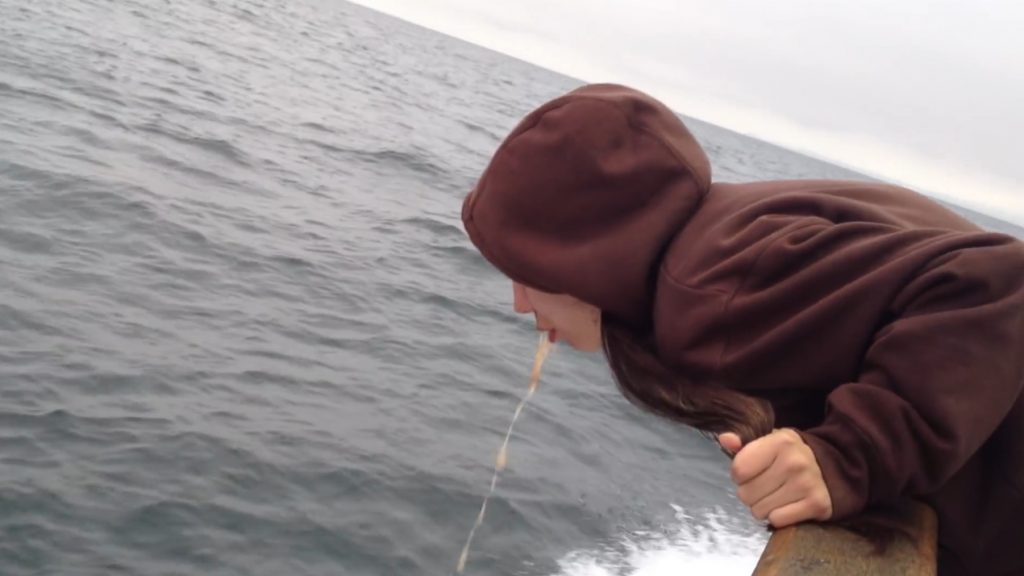 Brittany Throwing up on a fishing boat - Screenshoot 3