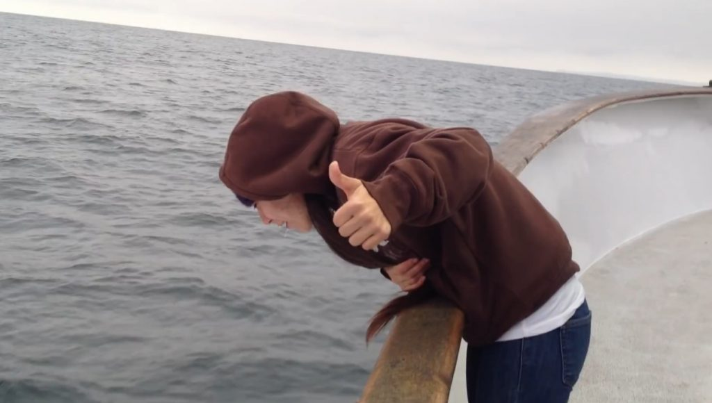 Brittany Throwing up on a fishing boat - Screenshoot 4