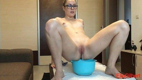 EllaGilbert - Shit Body Art (Full HD 1080p) Picture 1