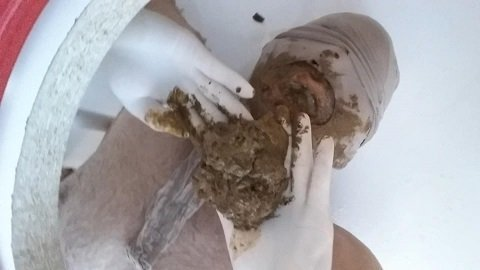 Face shitting Young Girls (Female Scat Domination - FULL HD) Picture 3