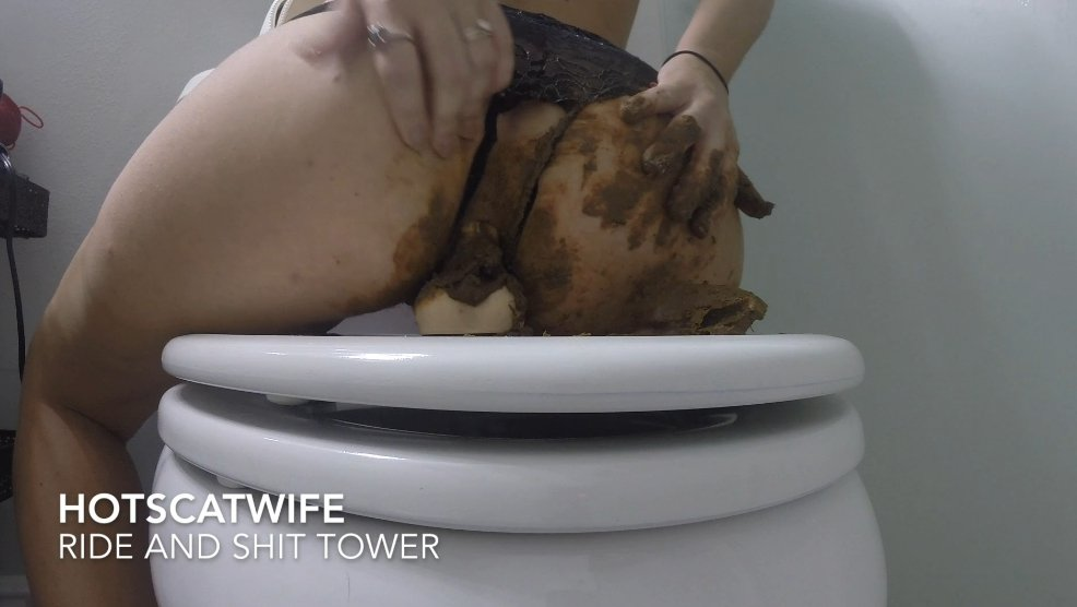 HOT SCAT WIFE in RIDE and SHIT TOWER - pic 3