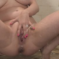 Blond in Double Pee-Bang [pissing.com]