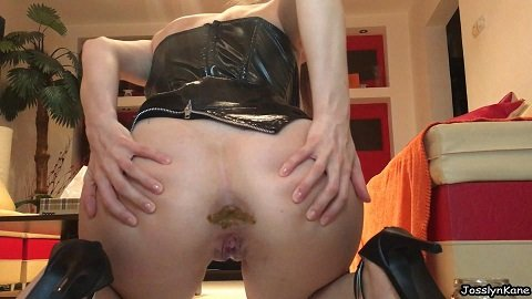 Josslyn Kane Pooping in the jar for slave - Picture 3