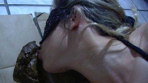 True Shit Loving Girl - Mina (Scat Licking in Full-HD) Image 4