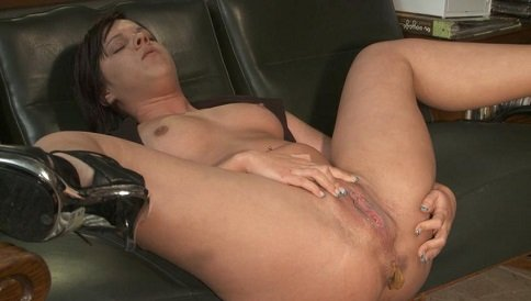 Solo Scat Girls Little Julie - Image 3