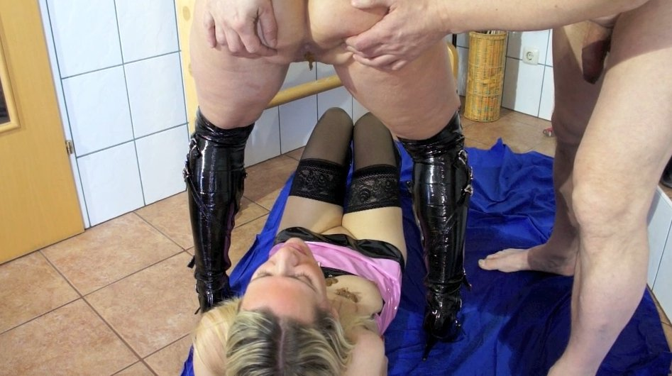 Isabelle Extreme and Mature Couple - Schweinerei - 2