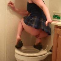 Cosmic Girl Summer – Cute School Girl Pooping