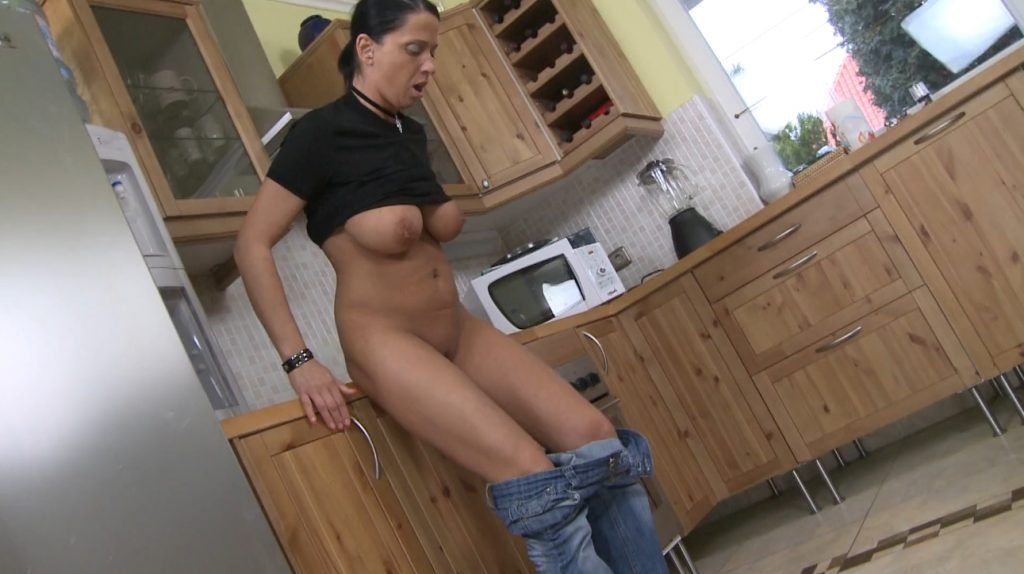 Solo Scat Girls Andy Moore (FULL-HD) Image 8