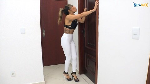 Shitting in white leggings (Diana and Sabrina Senna) 12 of April 2018