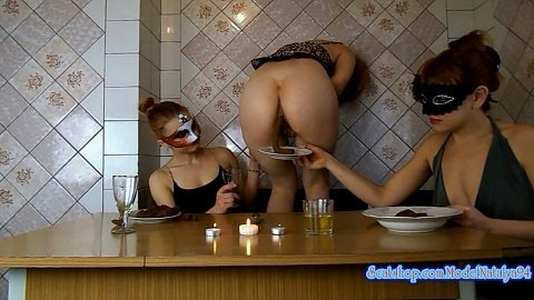 Three girls eating their own shit (ModelNatalya94) From 21 of May ...