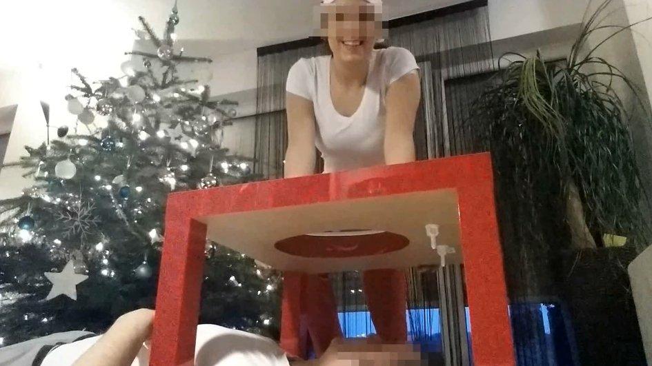 Santa Frau Scheißt Ihm Ins Maul (Lady Milena)