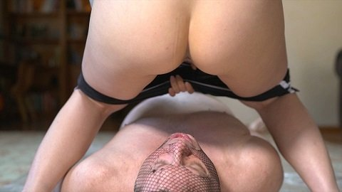 Mistress Sophia - Feeding Time (Shitting) Img 1