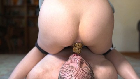 Mistress Sophia - Feeding Time (Shitting) Img 2