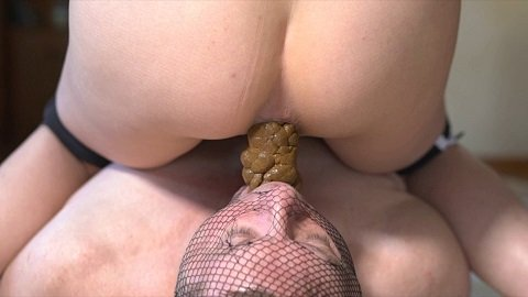 Mistress Sophia - Feeding Time (Shitting) Img3