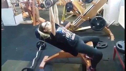 Intense Workout Makes Me Shit My Leggings [EllaGilbert] 975,9 Mb in Full HD-1080p