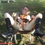 Humiliated & fucked in the wheelbarrow – Chienne Mary scat slut